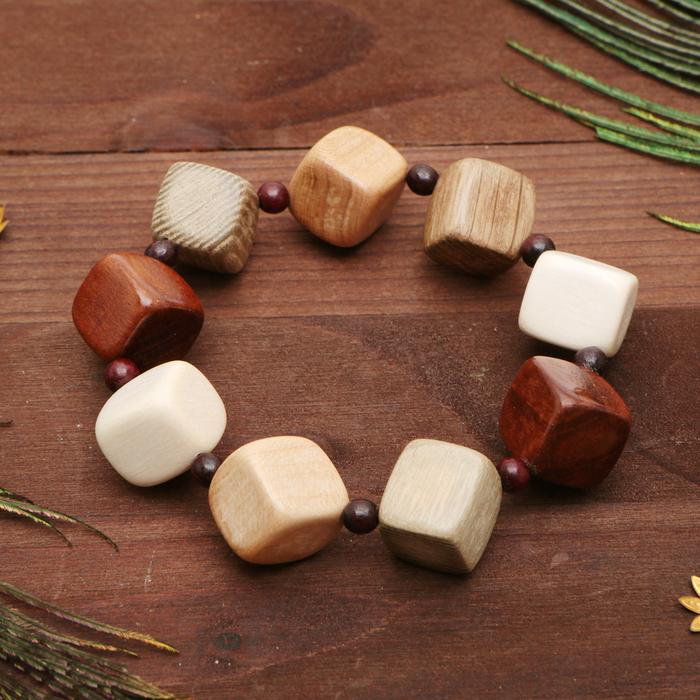 Браслет ручная работа, деревянный Кубик 15 однорядный, цветной