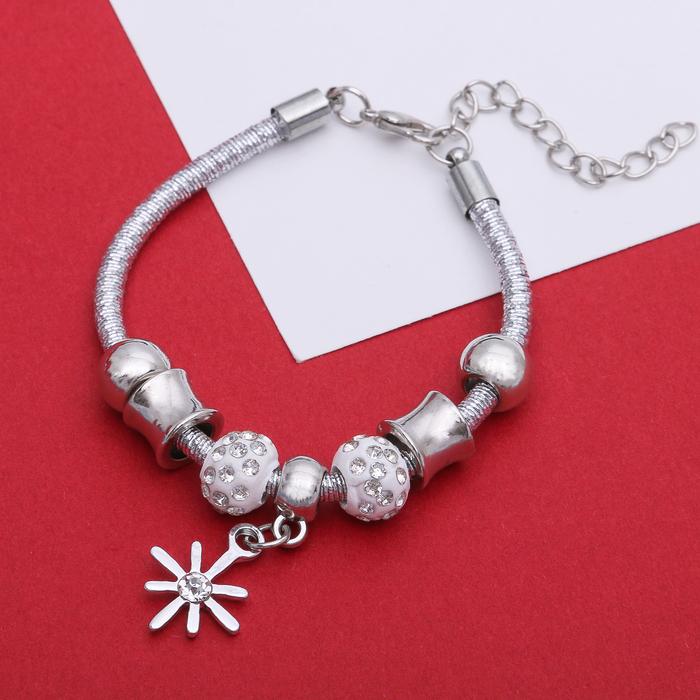 Браслет Марджери на нити, цветок, цвет серебро