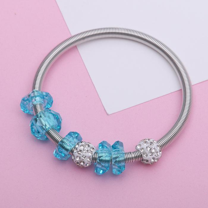Браслет Марджери на резинке, бусины, цвет бело-голубой в серебре