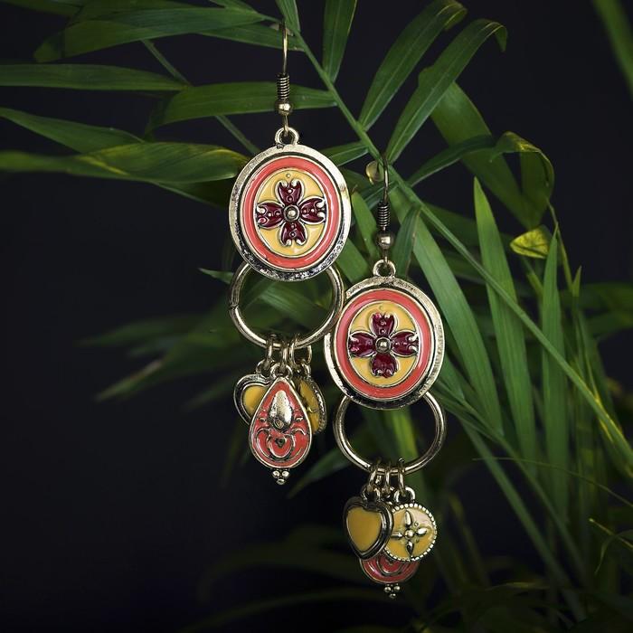 Серьги эмаль Арио, цвет жёлто-кораллово-малиновый в золоте